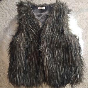 Cropped tiff fuax fur vest